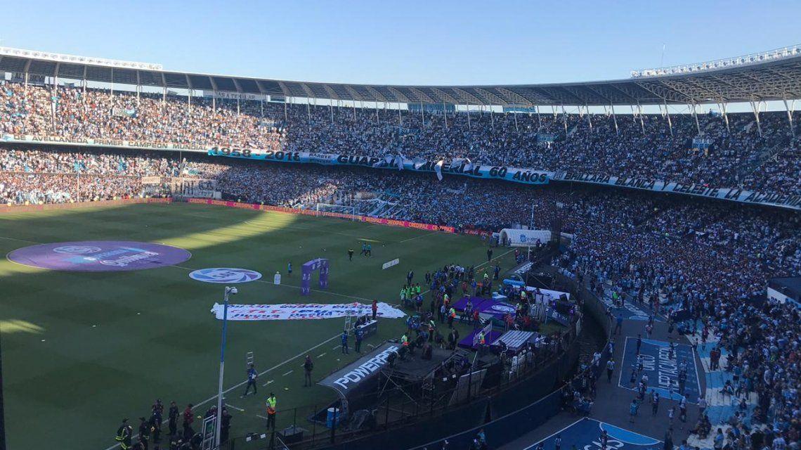 Fiesta en Avellaneda: Racing celebró el título con un empate ante Defensa y Justicia
