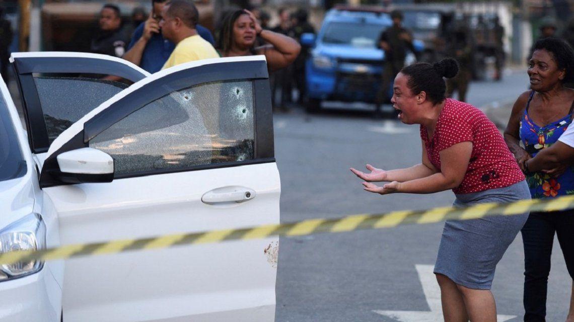 Doctrina Chocobar a la brasileña: militares abrieron fuego por error contra una familia