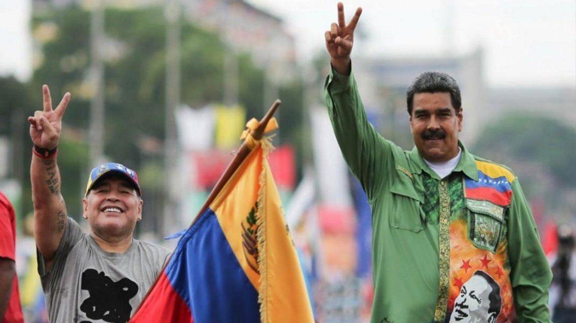 Multaron a Maradona por dedicarle un triunfo de Dorados a Maduro