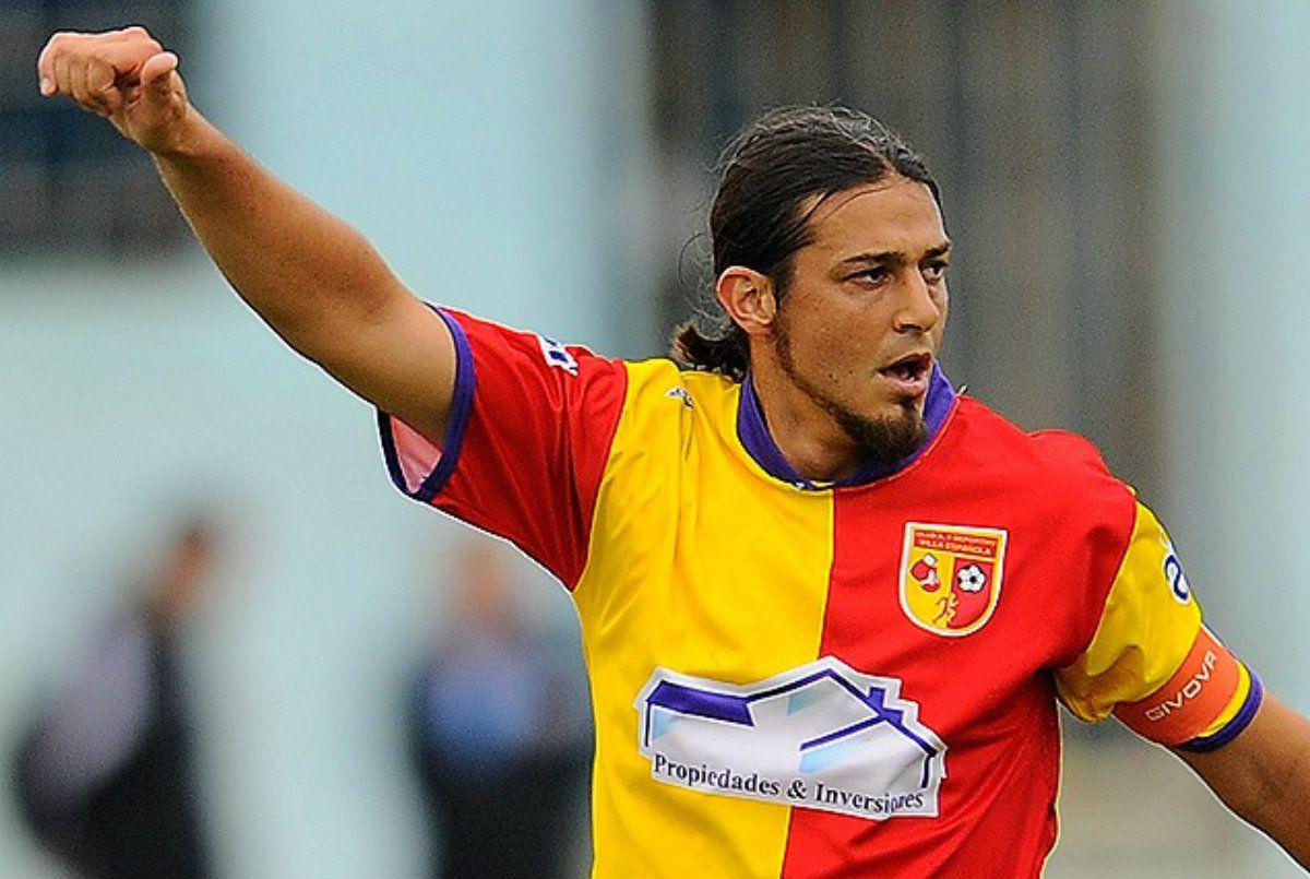 Futbolista renovó contrato con su club e incluyó una cláusula para ir a ver al Indio Solari