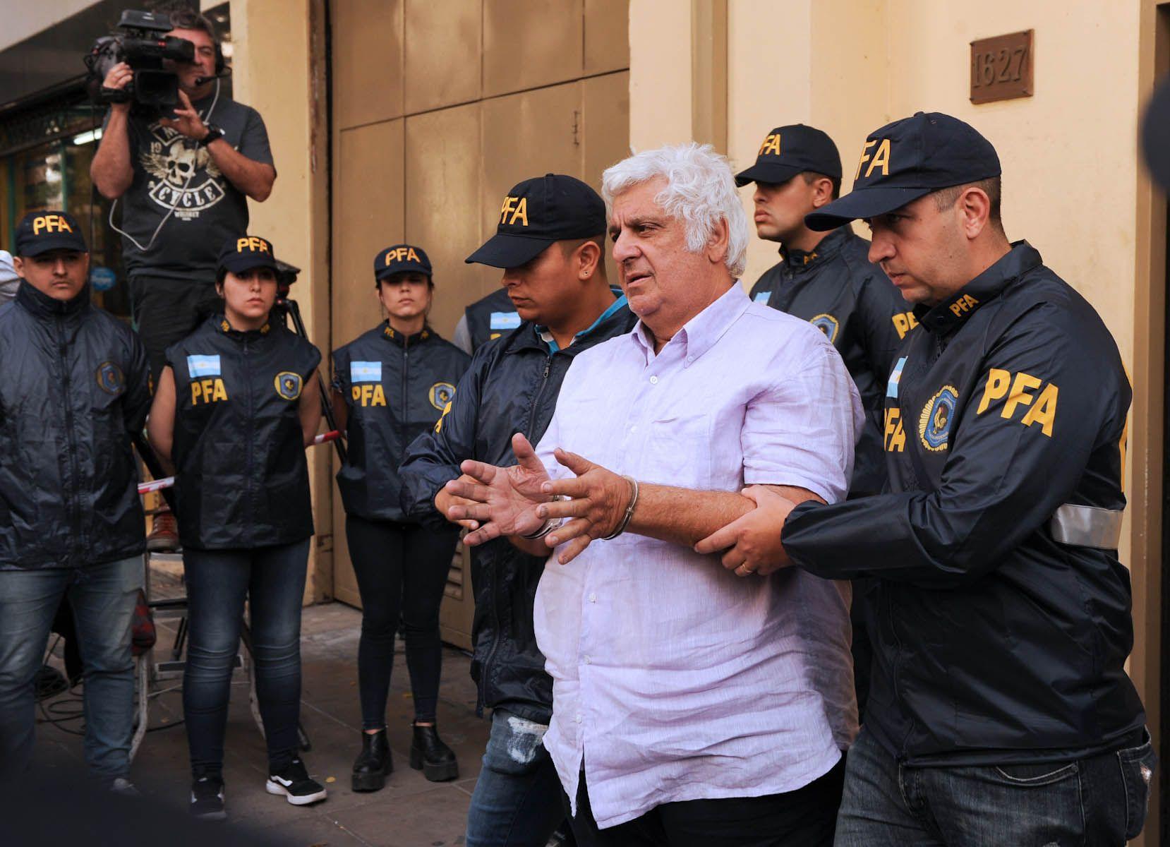 Alberto Samid seguirá detenido
