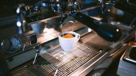 Otro palo: la BBC se pregunta ¿por qué el café es tan malo en Buenos Aires?