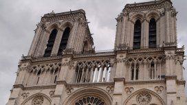 Notre Dame de París quedó desolada tras el incendio de este lunes