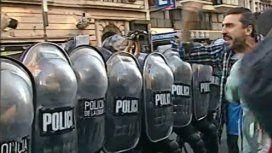 La Policía avanzó contra los cartoneros que protestaban en avenida Corrientes