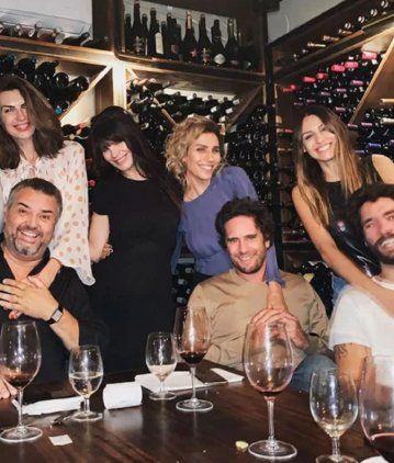 Pampita y Mariano Balcarce, en el cumpleaños de Lucila Polak y la novia de Leo DiCaprio