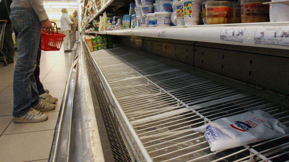 La leche de segunda marca es uno de los productos que escasea