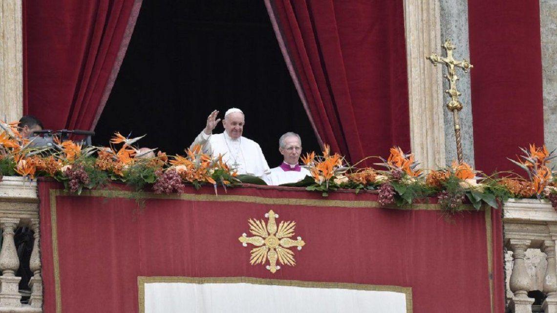 El papa Francisco quedó encerrado 25 minutos en un ascensor y lo rescataron los bomberos