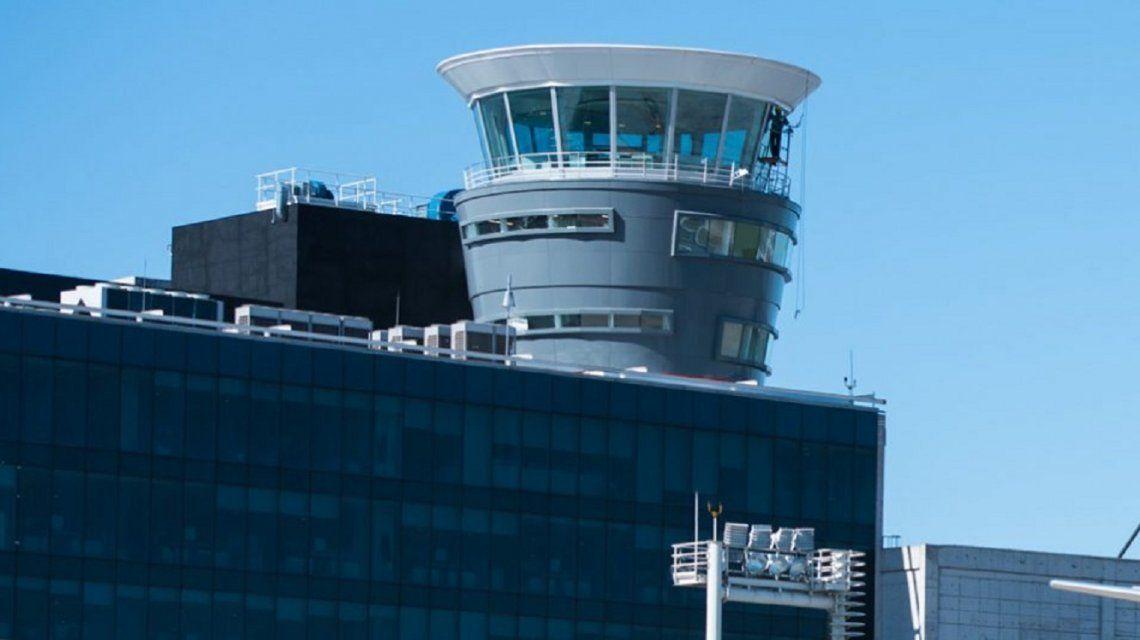 Dos aviones casi chocan cerca de Aeroparque: El espacio aéreo argentino está saturado