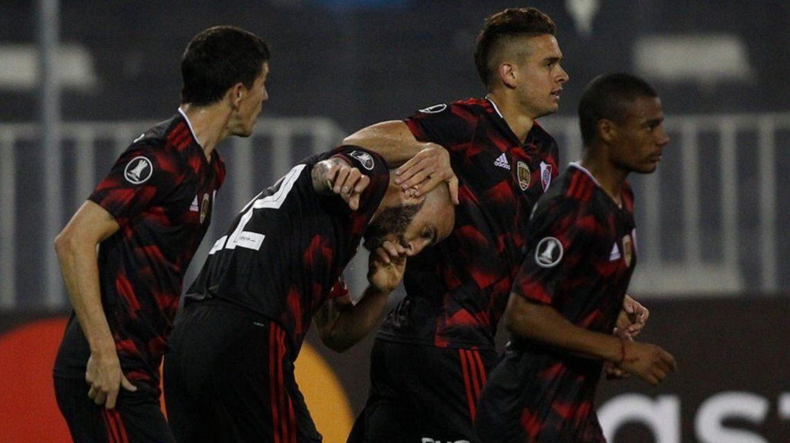 River le ganó a Palestino en Chile y se aseguró un lugar en octavos de final