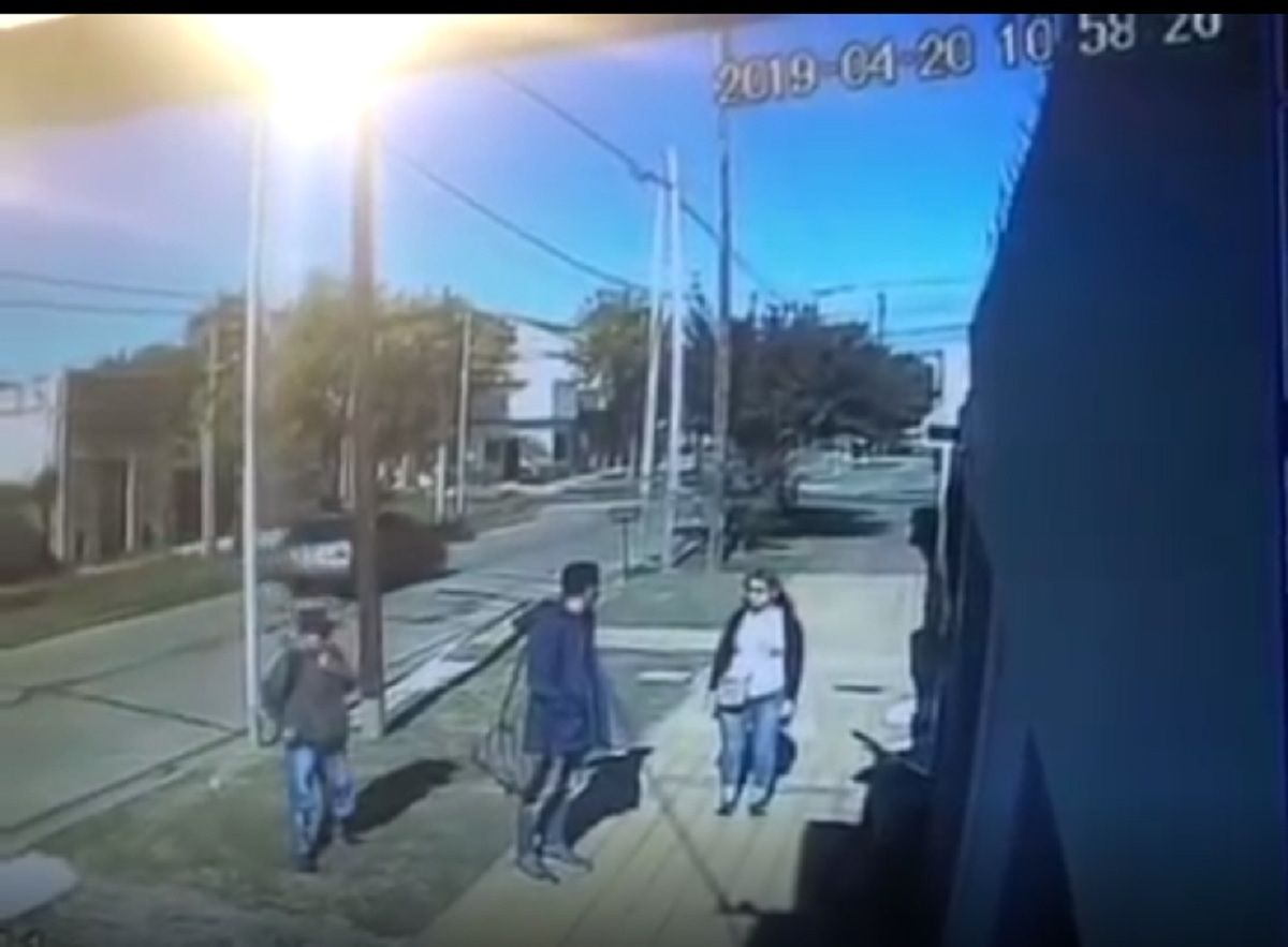 Un joven murió después de un intento de robo: le quisieron sacar la mochila y lo apuñalaron