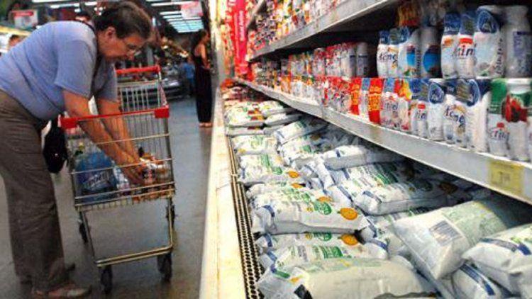 ¿Habrá faltantes? Trabajadores lácteos de todo el país paran por 48 horas en reclamo salarial