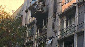 Incendio trágico en Belgrano: se quemó un dúplex y murió un hombre