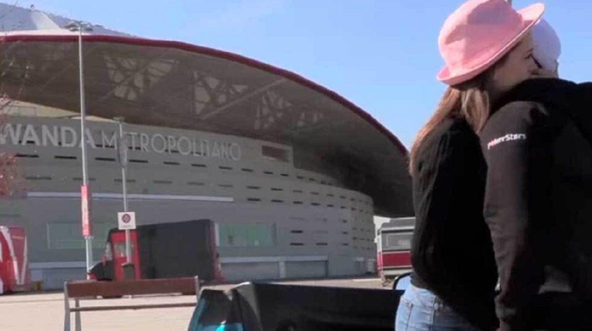 Escándalo en España por una escena porno de Torbe en el estacionamiento del Wanda Metropolitano