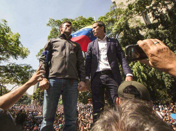 Juan Guaidó y Leopoldo López anunció el inicio de la fase final de la Operación Libertad.