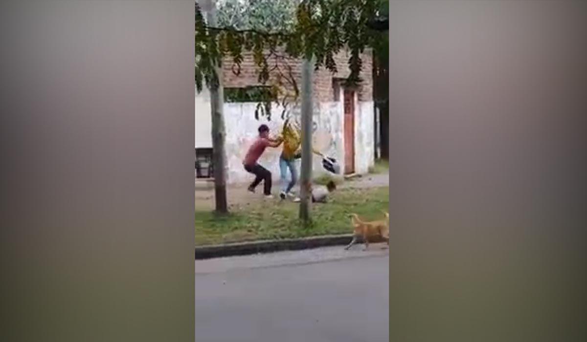 Remedios de Escalada: una mujer con su hija en brazos fue atacada a golpes por su ex