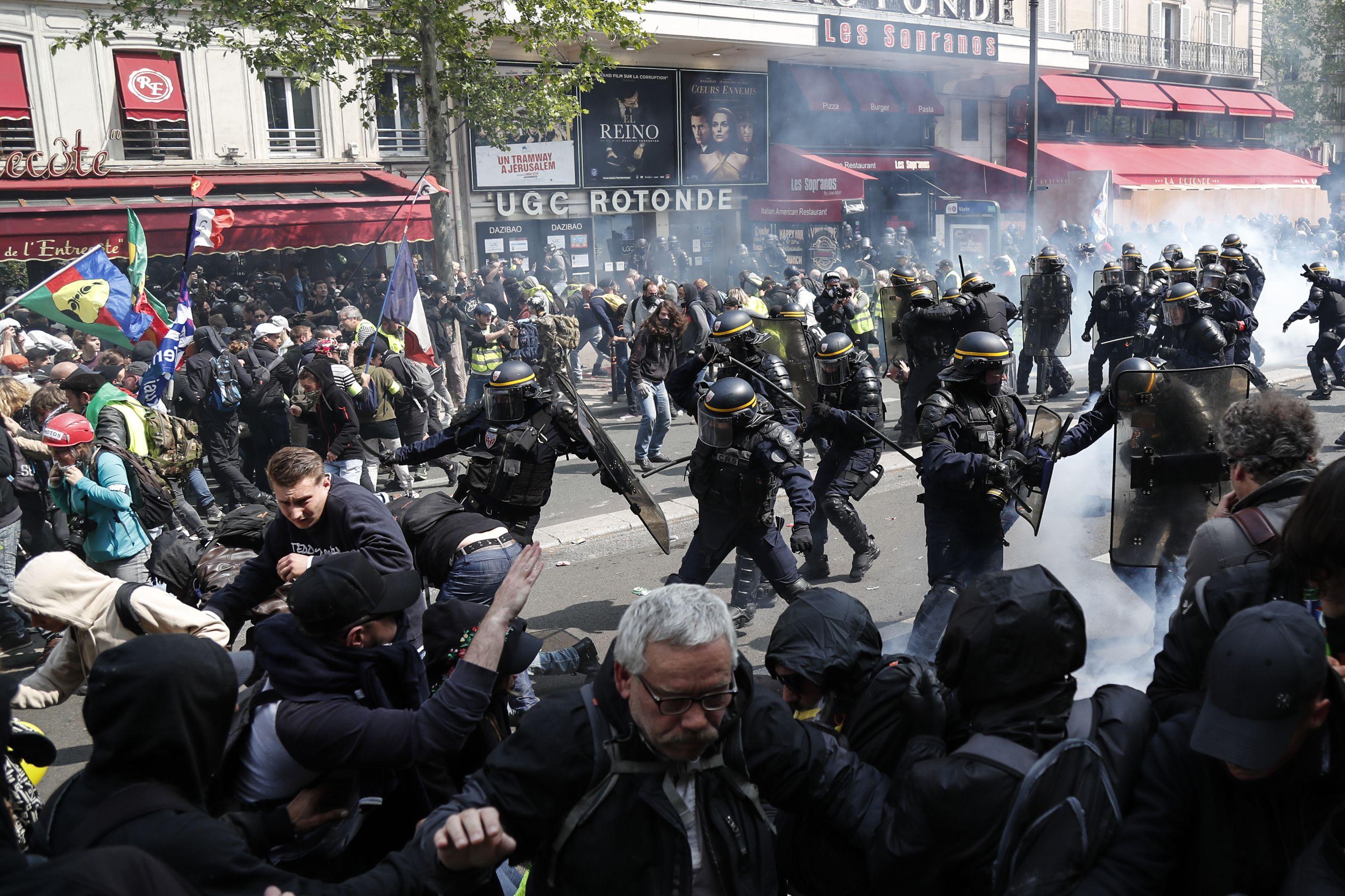 Detuvieron a unas 290 personas en Francia en manifestaciones por el 1° de Mayo