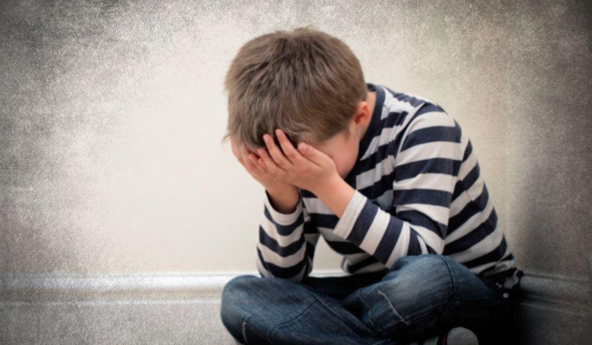 Llevó a su hijo al médico y se enteró de que su propio padre abusaba de él