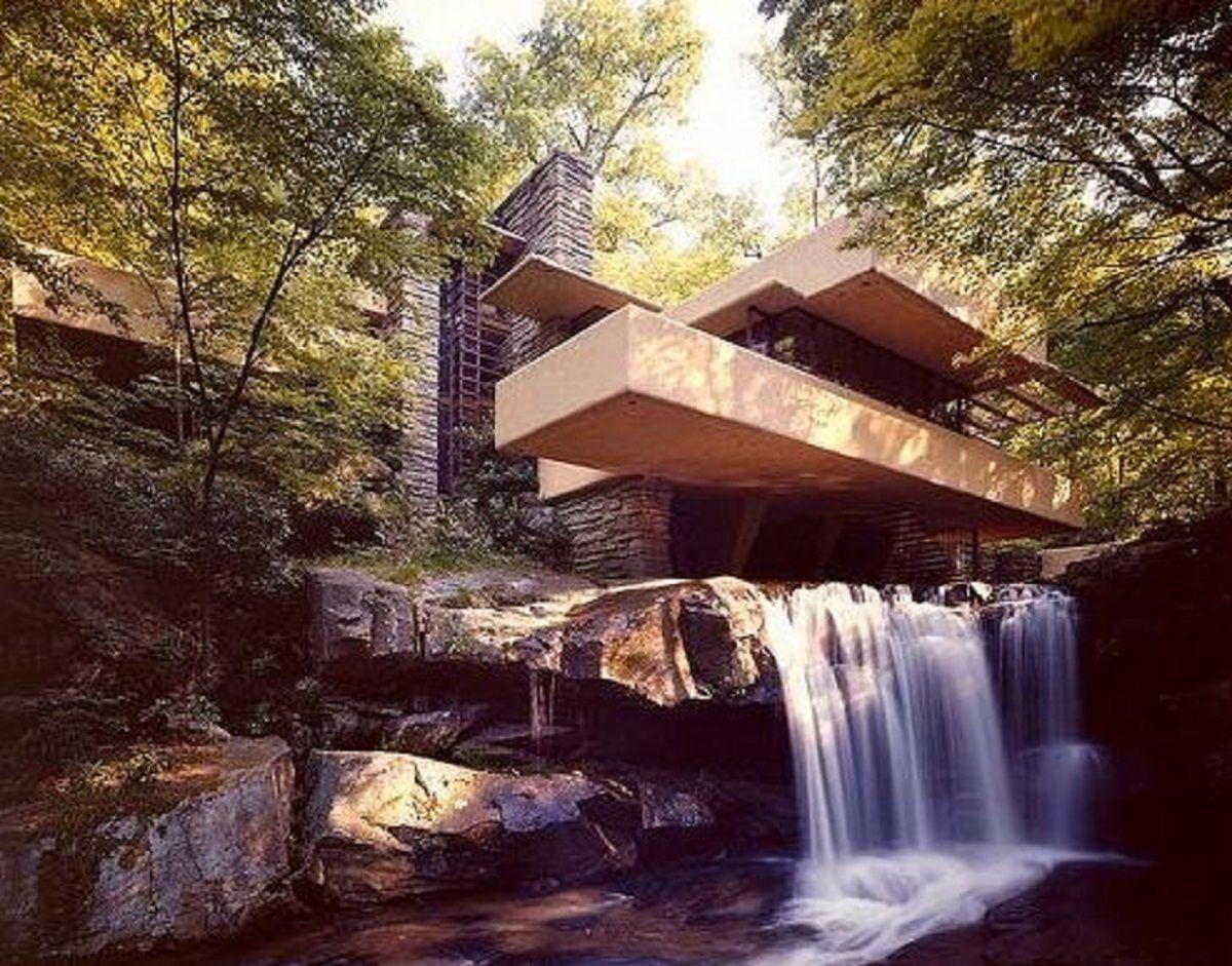 La Casa de la Cascada, una maravilla que combina arquitectura y respeto por la naturaleza