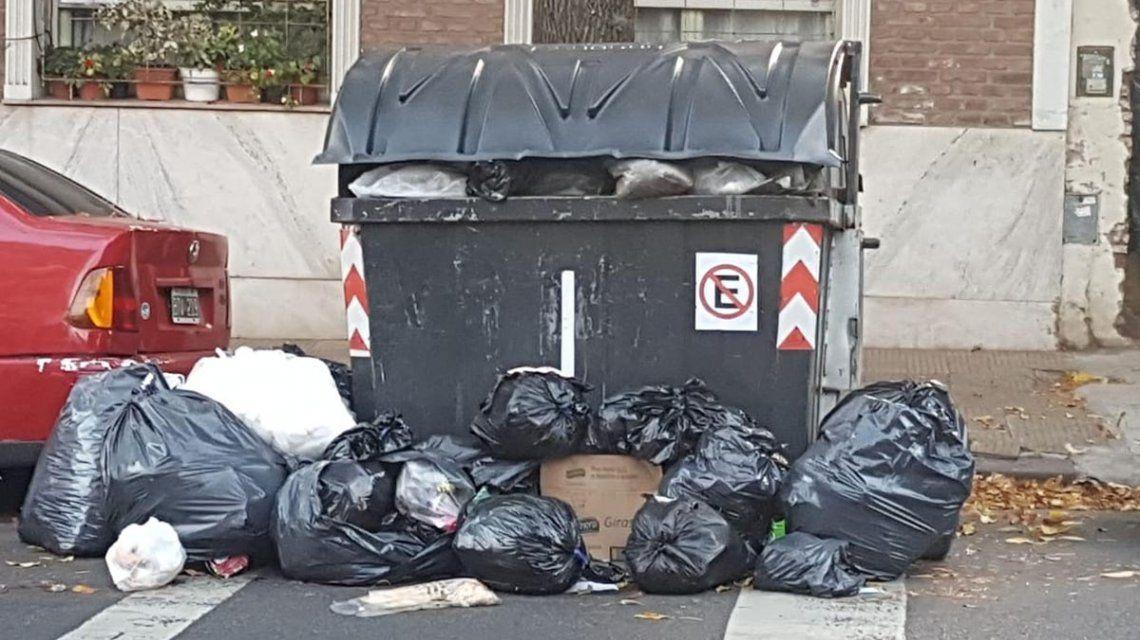 La Ciudad, repleta de basura por los paros del 30 de abril y el 1 de mayo