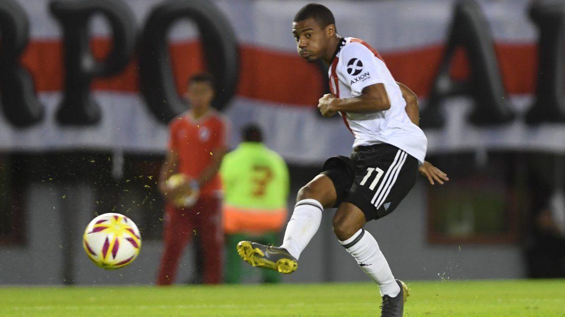 Con un triplete de De La Cruz, River aplastó a Aldosivi y avanzó a cuartos de final