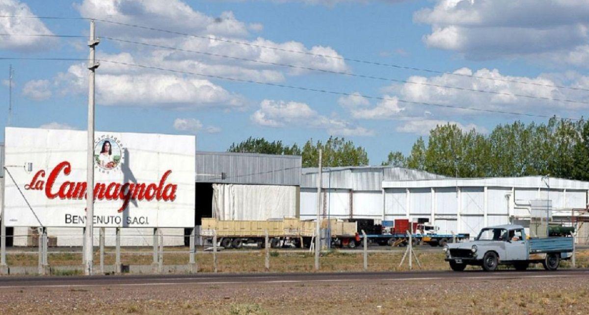 Cerraron dos fábricas de La Campagnola y 125 trabajadores deben trasladarse 300 KM para no perder el empleo