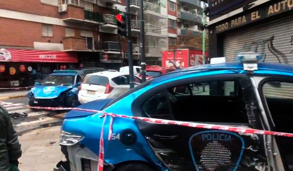 Chocaron dos patrulleros en Bulnes y Cabrera: cuatro policías quedaron heridos