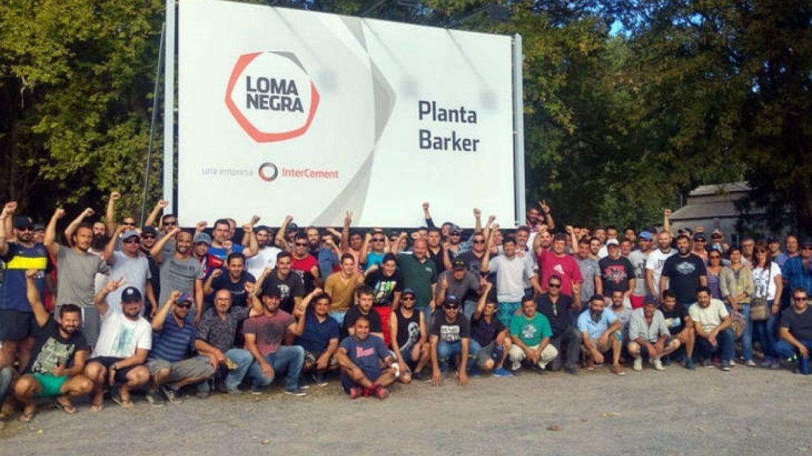 Loma Negra cerró una de sus fábricas y más de 230 trabajadores resisten en sus puestos