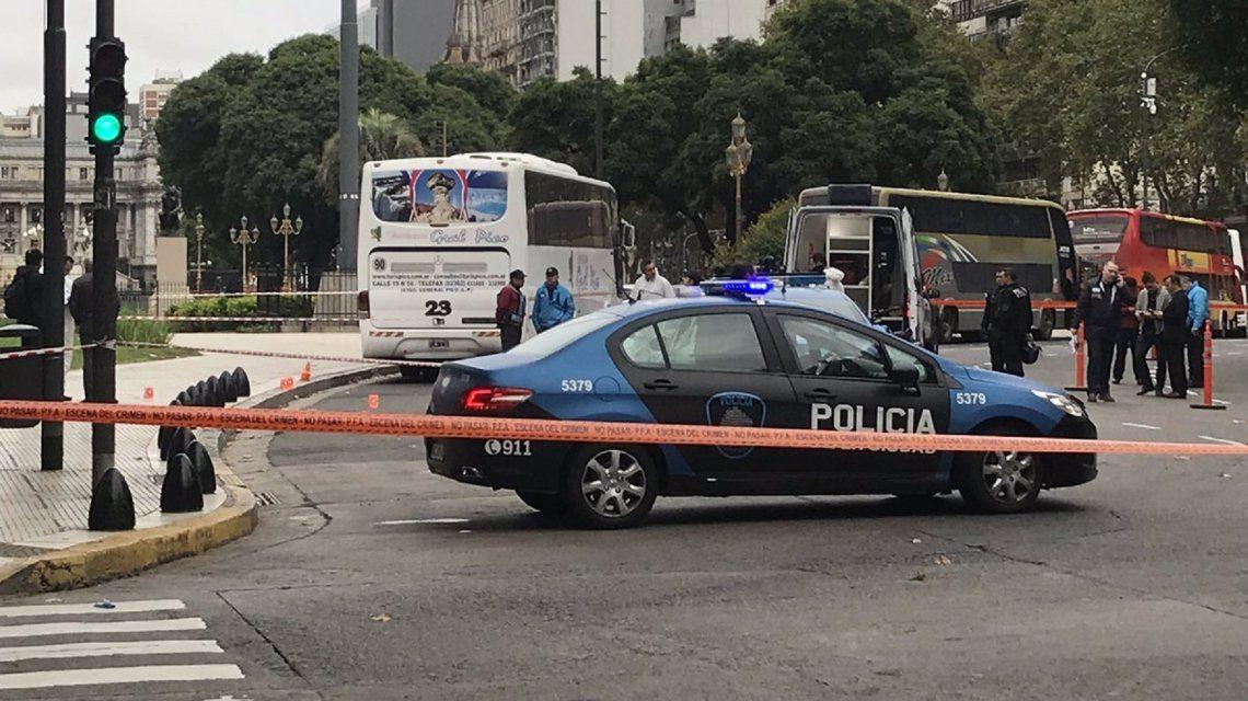 Olivares y Yadón fueron baleados en las inmediaciones del Congreso. Foto:@DamianBarisch
