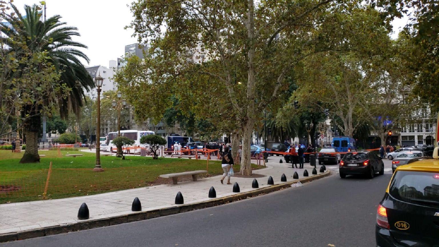 Héctor Olivares y Miguel Yadón fueron atacados sin mediar palabra cerca al Congreso.