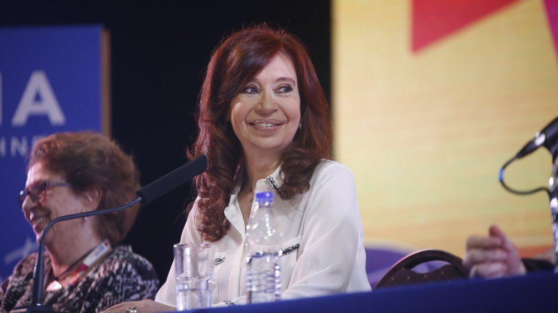 Cristina respondió a los 10 puntos de Macri con un contrato social verificable, cuantificable y exigible