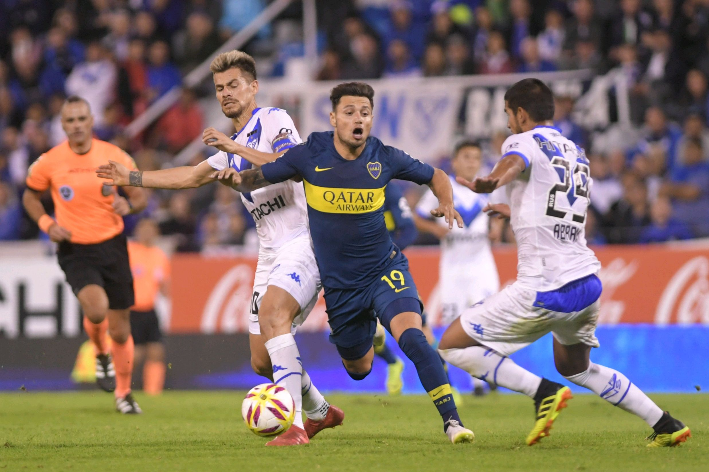 Con Mauro Zárate de titular, Vélez y Boca igualaron sin goles