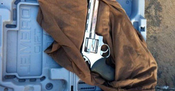 El arma que llevaba el hombre que intentó ingresar a Casa Rosada.