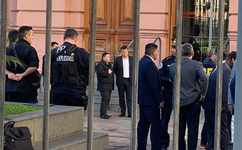 Un hombre armado intentó ingresar a Casa Rosada y lo detuvieron