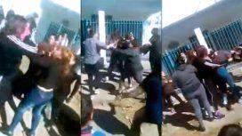 Batalla campal frente a un colegio: madres y alumnas a los golpes en El Jagüel