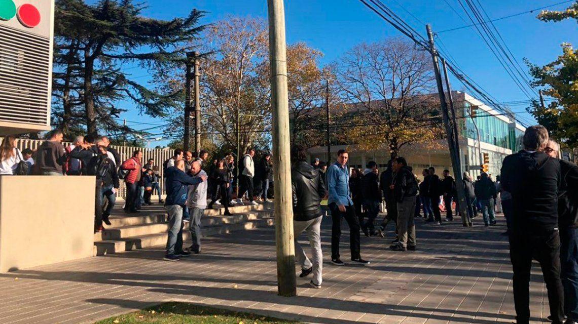 Evacuaron el edificio de Telefe por una amenaza de bomba