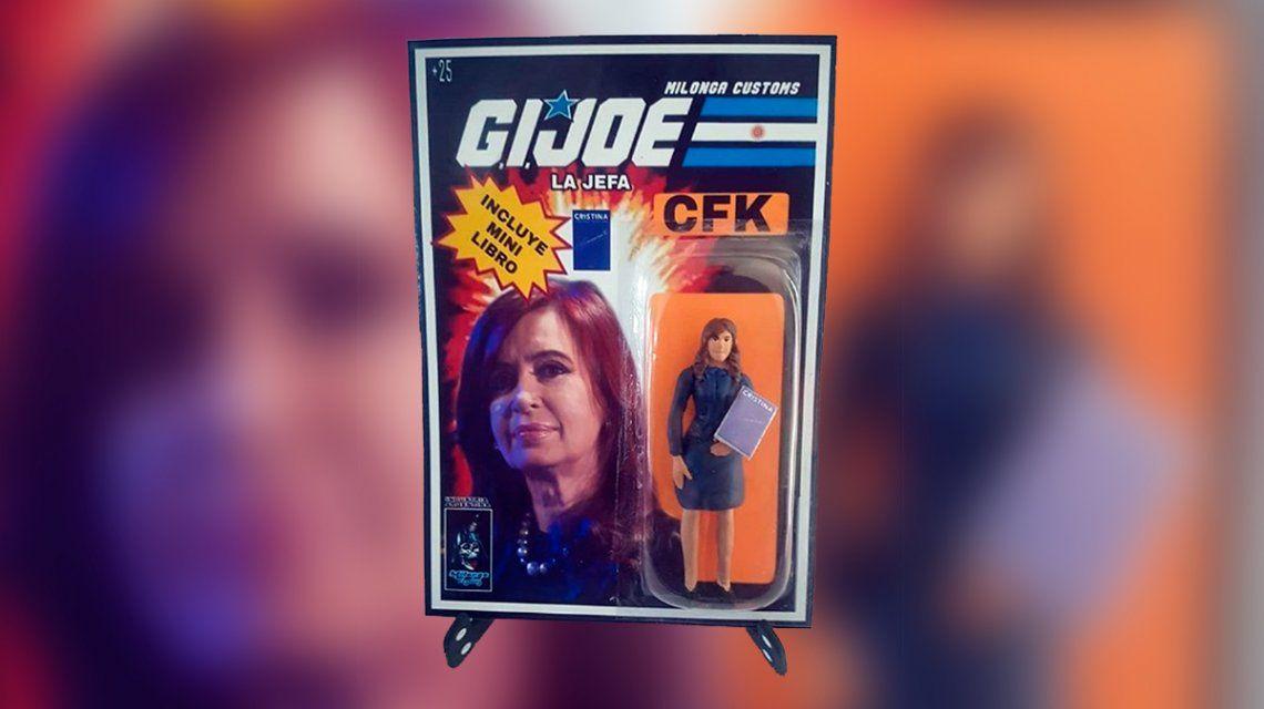 Cristina Kirchner tiene su muñeca de colección: se llama La Jefa e incluye un minilibro