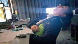 Escracharon a policías que dormían en un centro de monitoreo