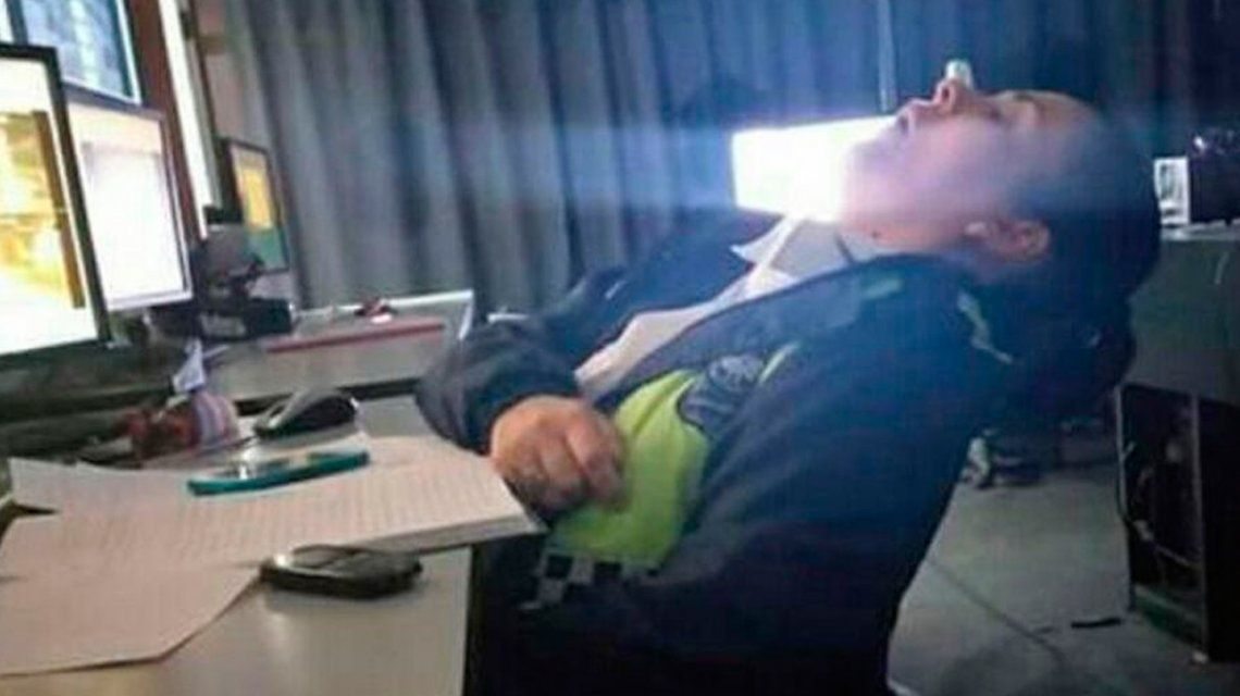 Tucumán: escracharon a policías que dormían en el Centro de Monitoreo