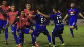 Tigre celebra uno de los goles frente a Atlético Tucumán