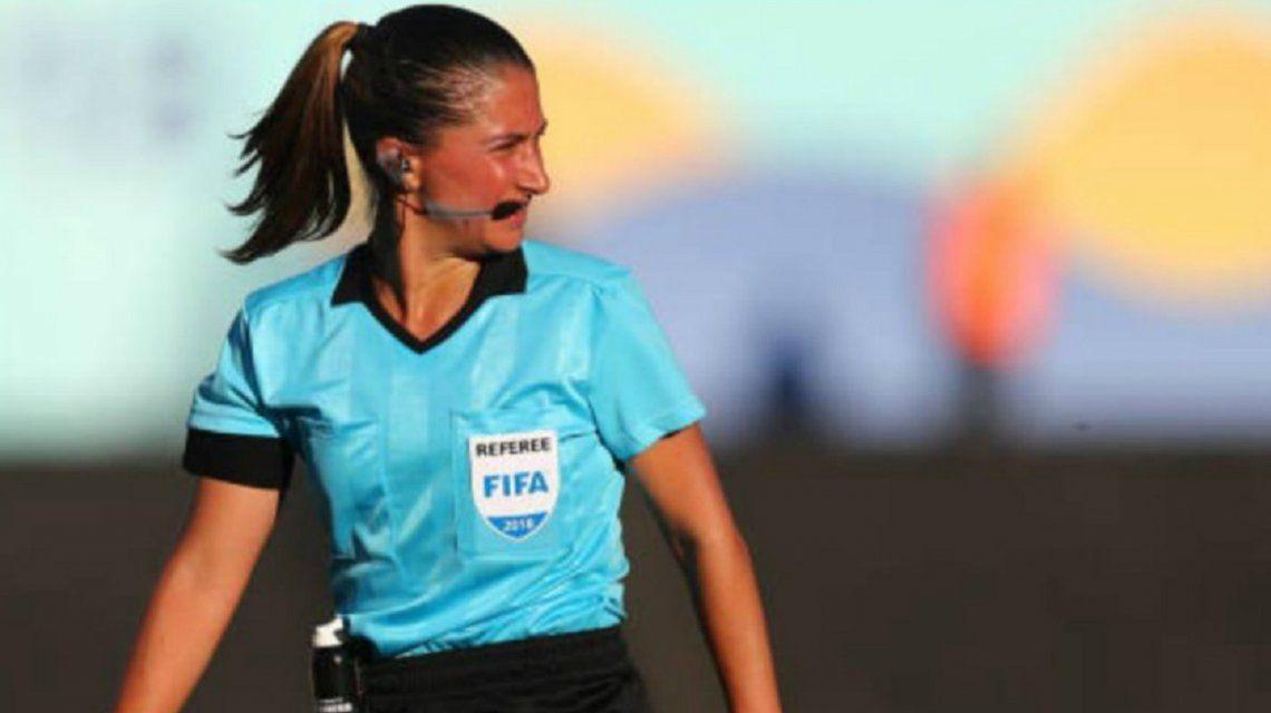 Laura Fortunato, la árbitra argentina en el Mundial: Es difícil vivir de esto, si no dirigís no cobrás