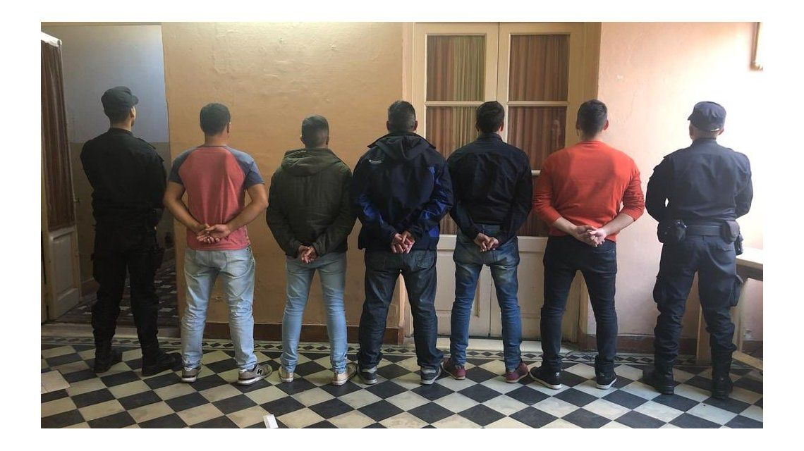 Los cinco policías demorados por el choque y persecución de San Miguel del Monte.
