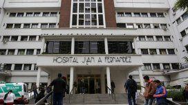 Violencia en el Hospital Fernández: así fue la pelea entre una pareja y un hombre de seguridad