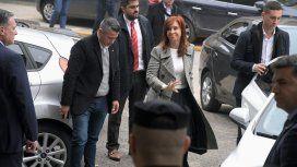 Pese a tener permiso para ausentarse, Cristina fue este lunes a Comodoro Py