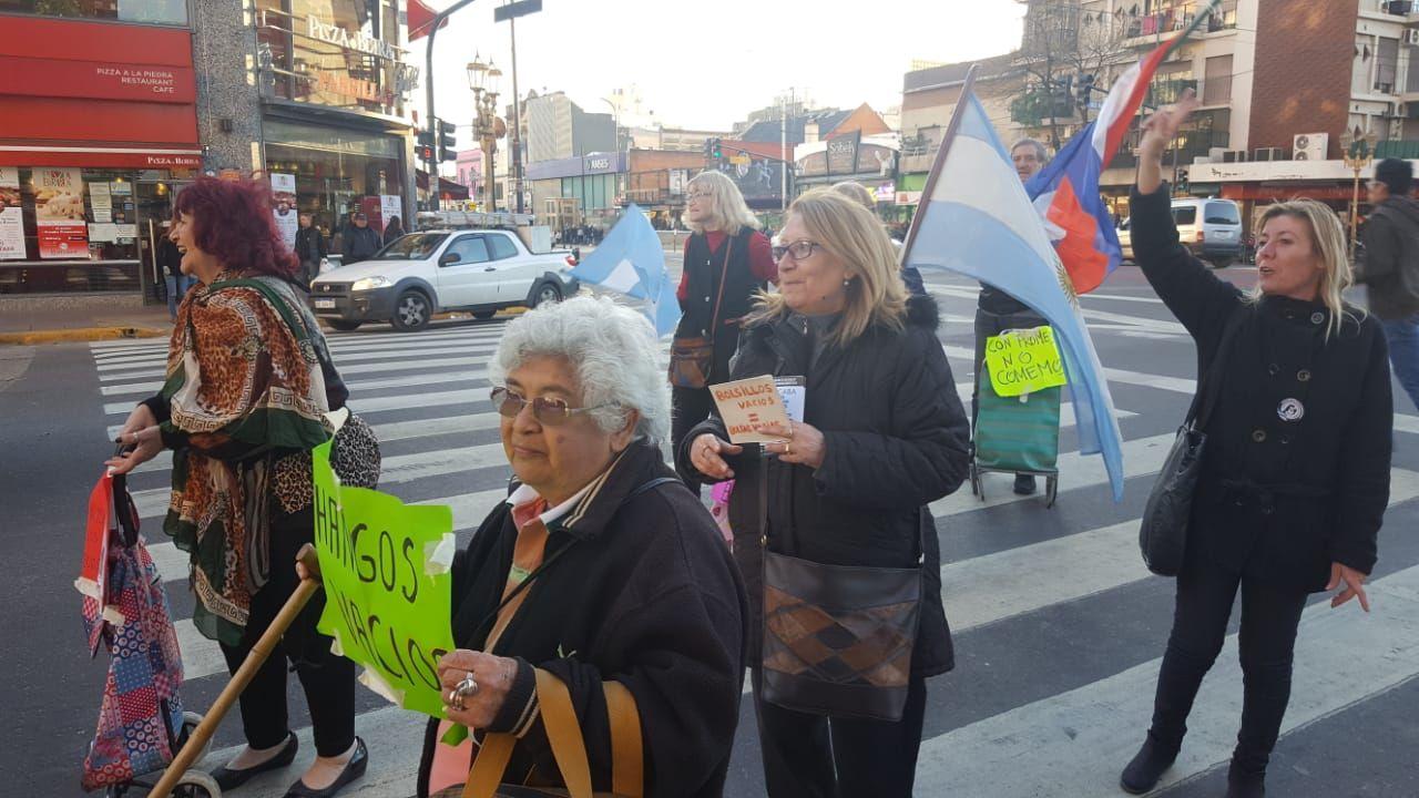 La abuela Teresa en una manifestación de jubilados.