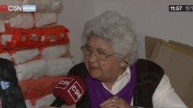 Teresa tiene 85 años, gana la jubilación mínima y vende tortas fritas para subsistir