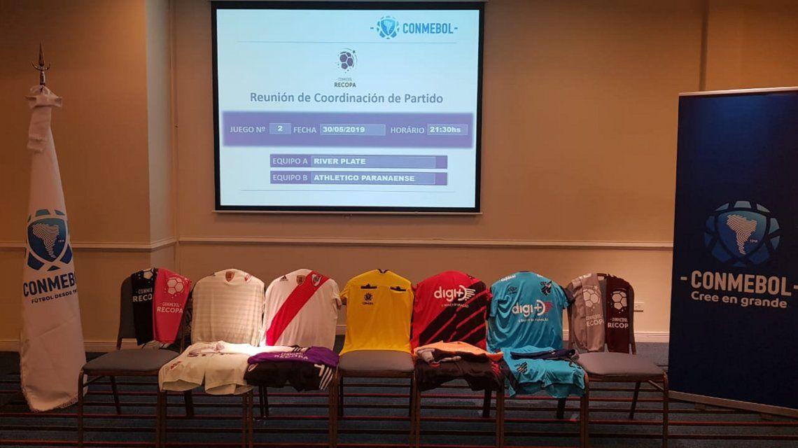 El detalle de la camiseta que usará River en la final de la Recopa ante Paranaense