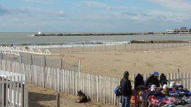 Encontraron el cadáver de una mujer flotando frente a la playa Bristol