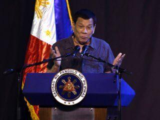 el presidente de filipinas dijo que fue gay pero se curo