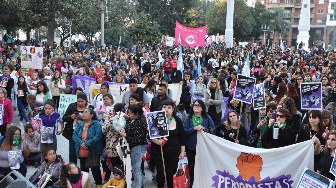 Por quinto año consecutivo, decenas de miles de mujeres gritaron Ni una menos