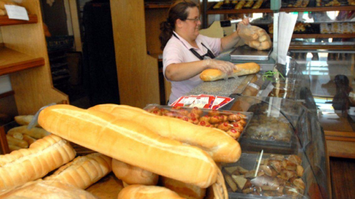 El kilo de pan podría llegar a los $120 esta misma semana
